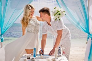 At Didea Weddings, we have the perfect beach location